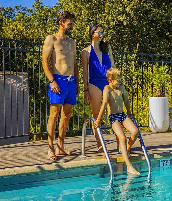 Camping avec piscine gard camping avec parc aquatique - Camping a valras plage avec piscine ...